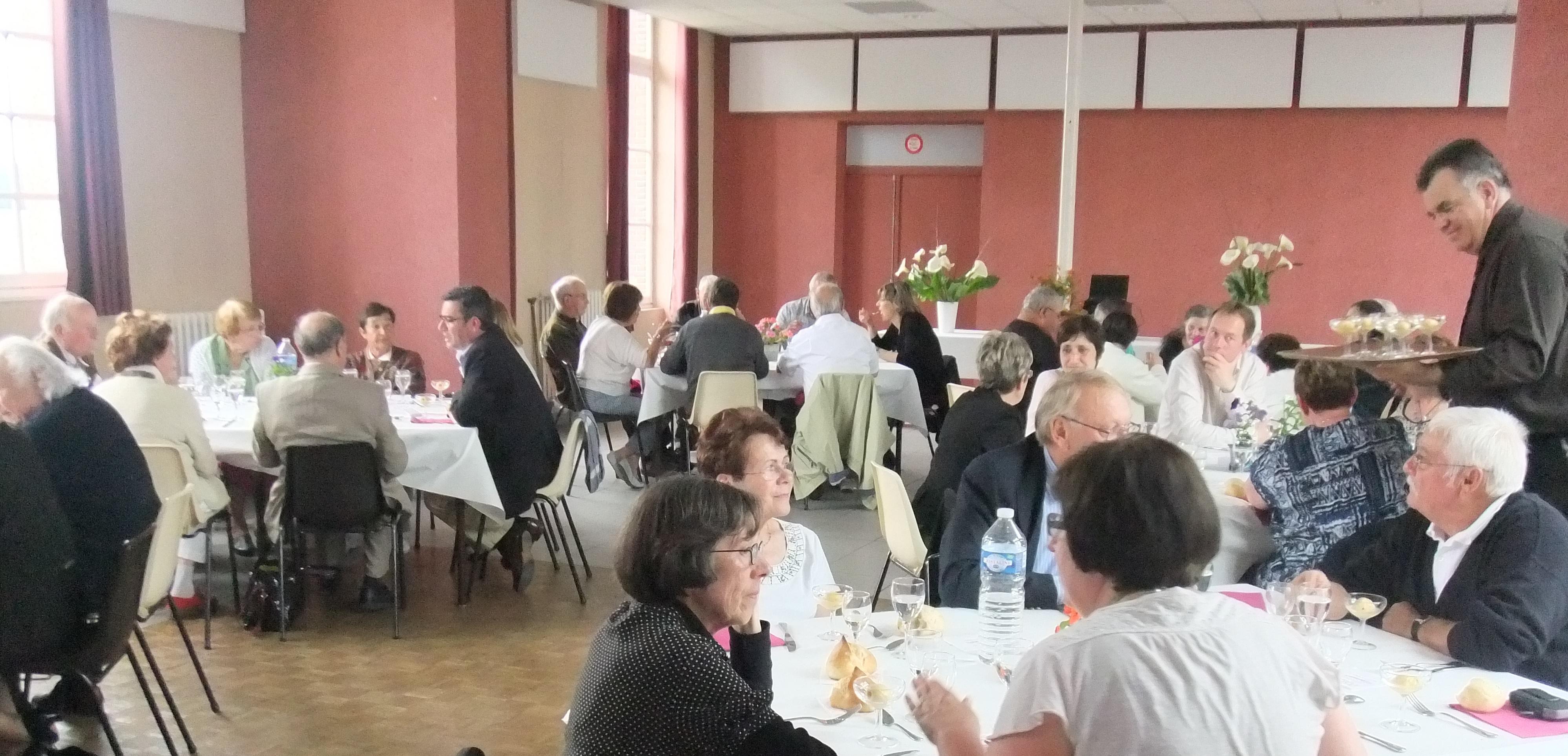 2014-06-01-le-favril-28-repas-de-l-amitie-2